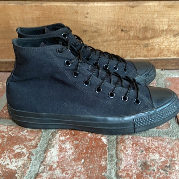 EUC Converse All Stars black high top sneakers. Size 11.